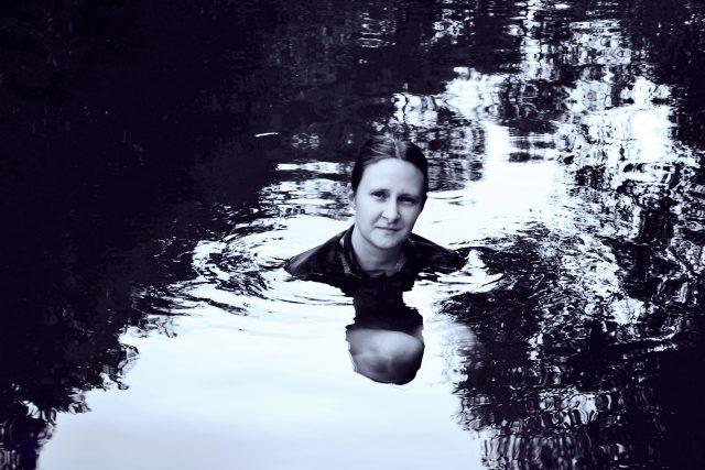 Anna Bolavá: Před povodní