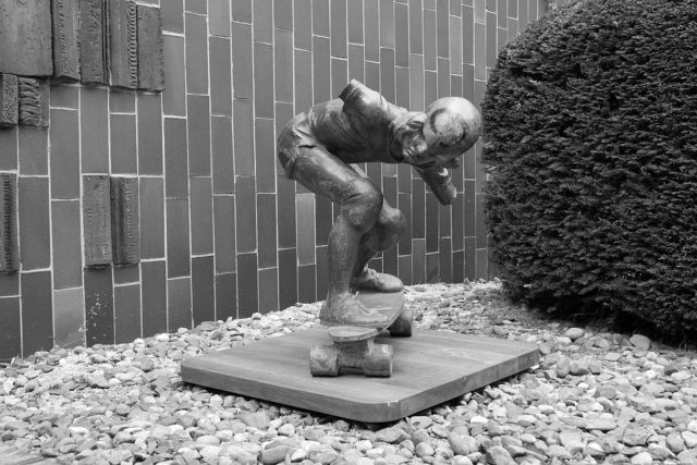 Nejstarší skateboardová socha na světě se vrátí na pražskou Folimanku   foto: Pavel Friš,  vysehradskej.cz