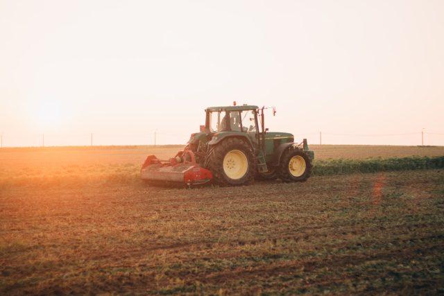 traktor | foto: Unsplash,  CC0 1.0