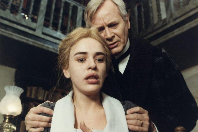 Snímek z filmu Fanny a Alexandr z roku 1982. Režíroval Ingmar Bergman | foto: Asociace českých filmových klubů