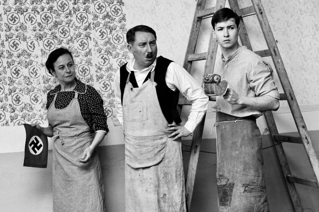 Petra Špalková a Robert Mikluš ve filmu Krajina ve stínu
